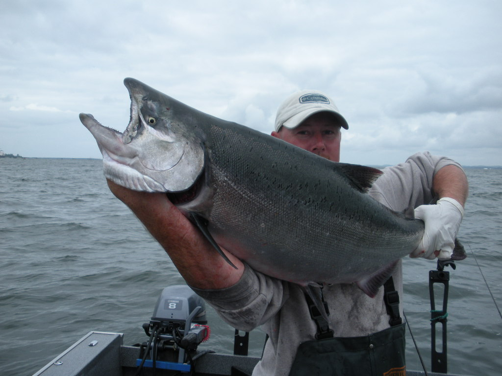 Best fishing spots on the lower columbia river for Columbia river salmon fishing