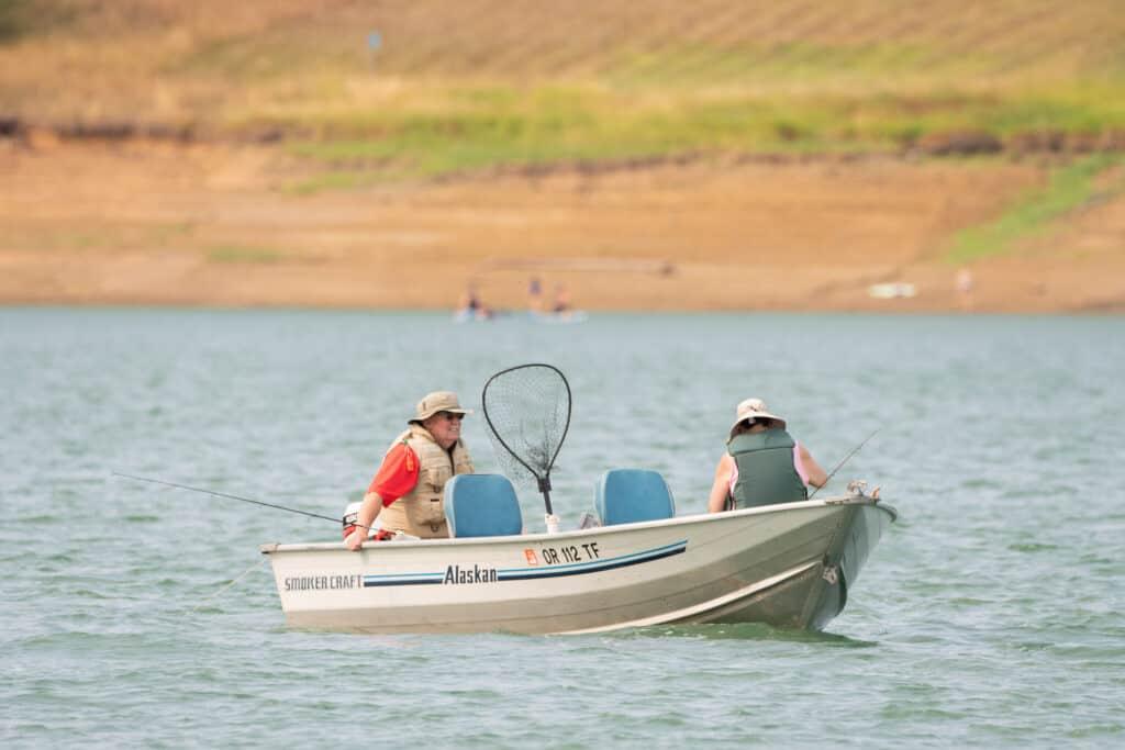 Boat trolling at Hagg Lake