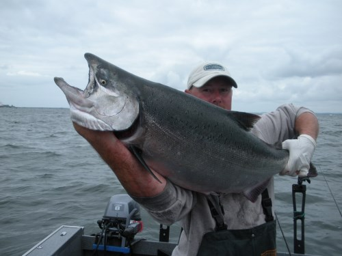 columbia river salmon fishing guide