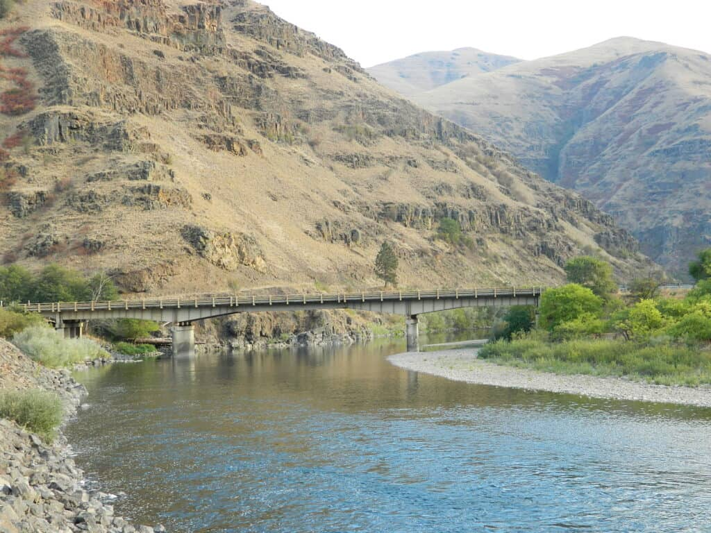 grande ronde river in northeastern oregon has great fishing and awesome scenery