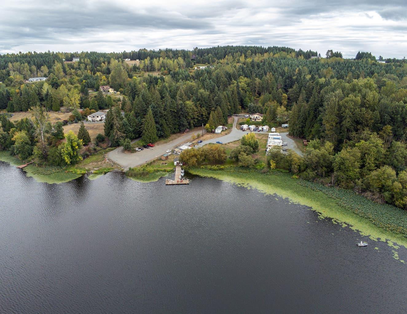 aerial view of harts lake washington
