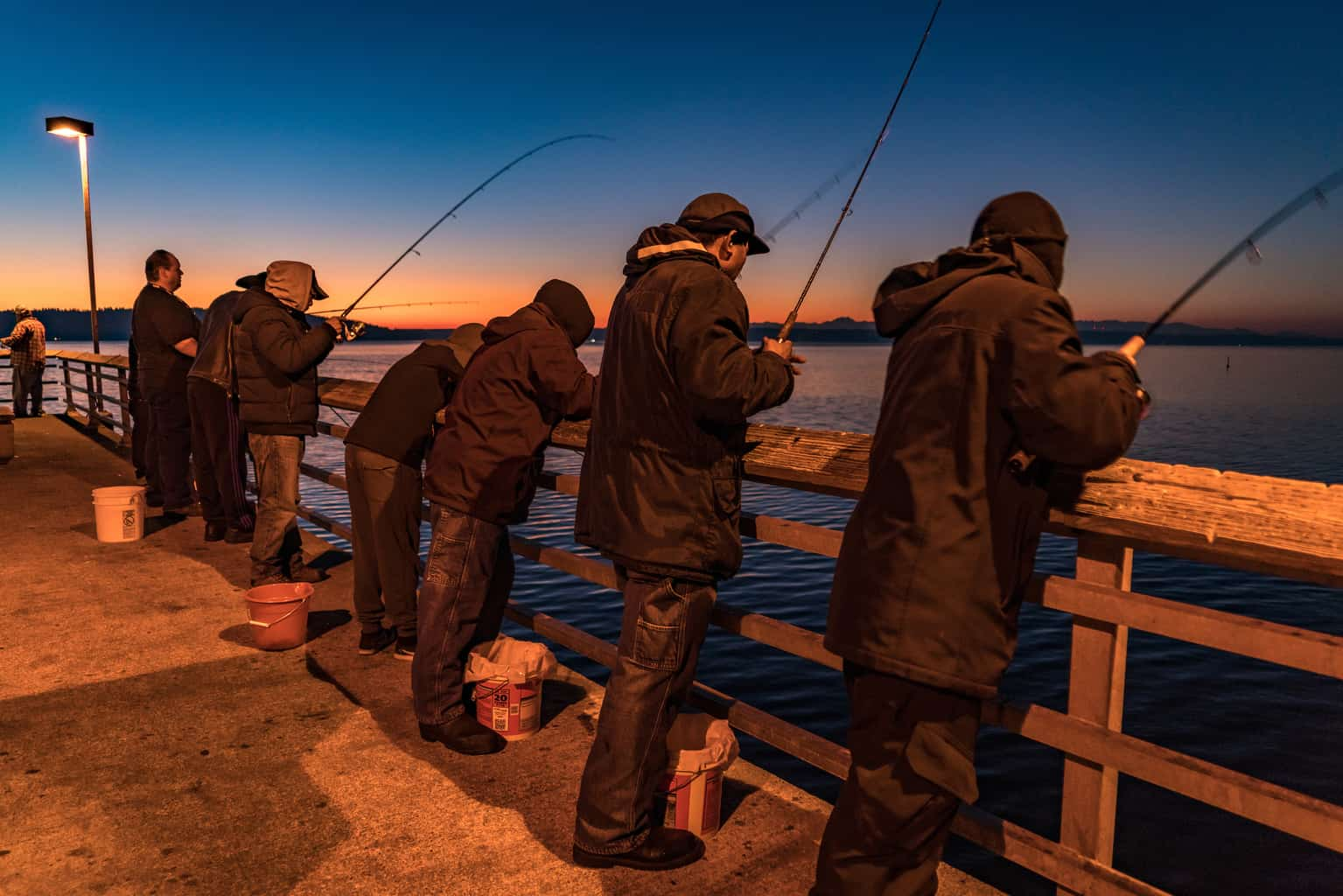 squid fishing from des moines beach pier in king county