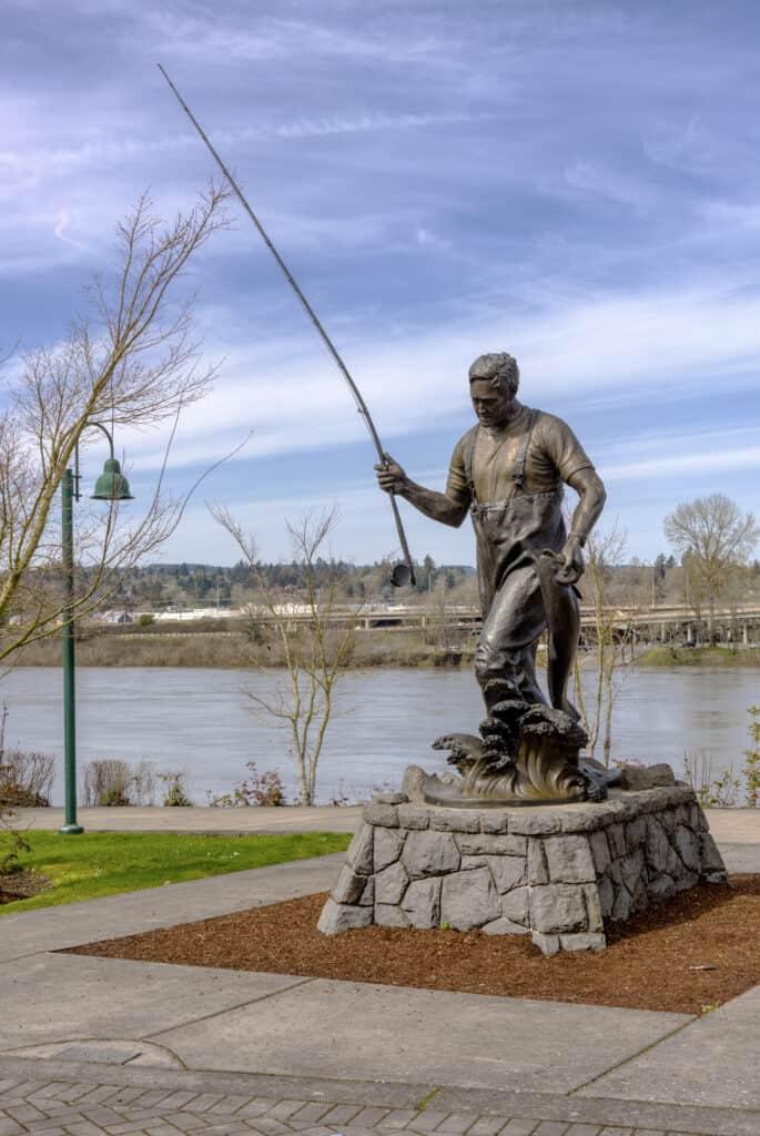 Statue of a fisherman near the Willamette River in Salem, Oregon