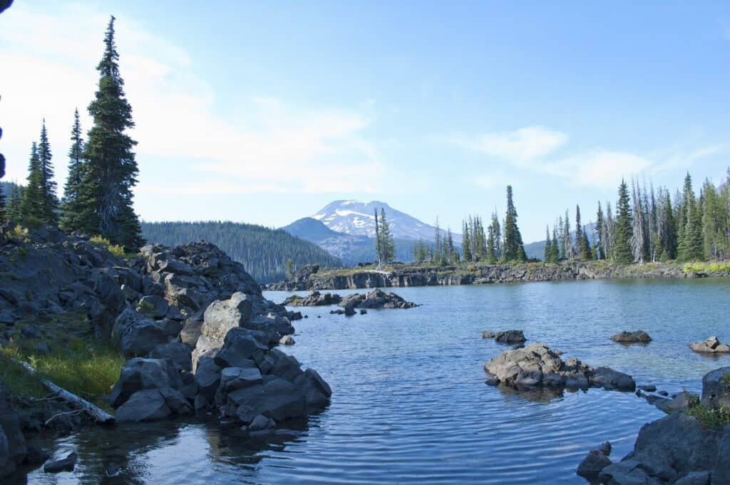 sparks lake with a towering mountain in the background