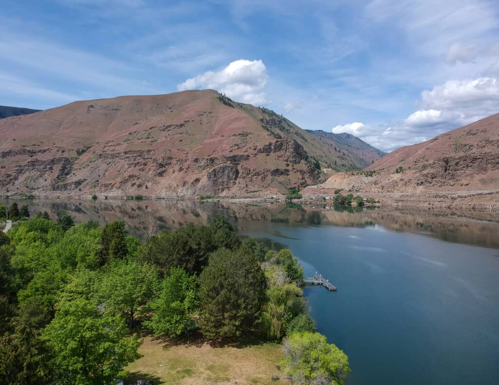 Calm Columbia River at Lincoln Rock State Park in Douglas County