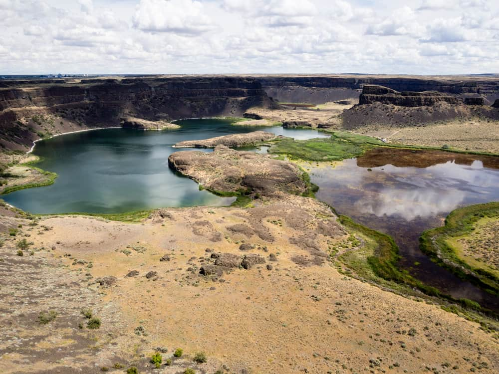 scenic overview of dry falls and dry falls lake
