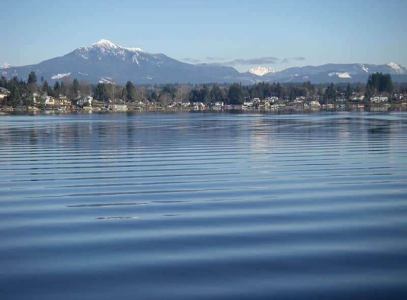 Scenic photograph of Lake Stevens near Everett Washington, a great place to catch kokanee and bass.
